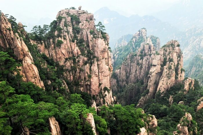 NATURAL WONDERS OF HUNAN PROVINCE