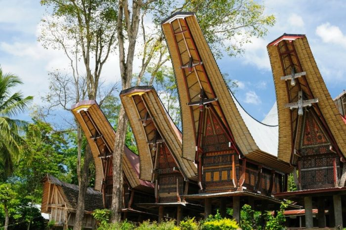 JOURNEY TO FAR LANDS – THE TORAJA OF SULAWESI