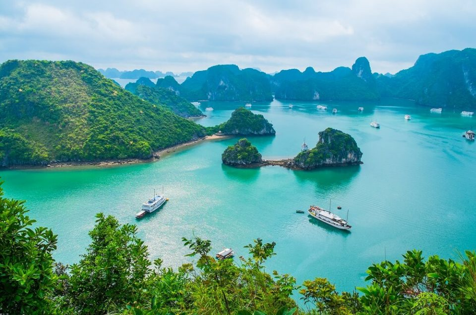 7 Short Luxury Cruises in Asia that will make you want to set Sail