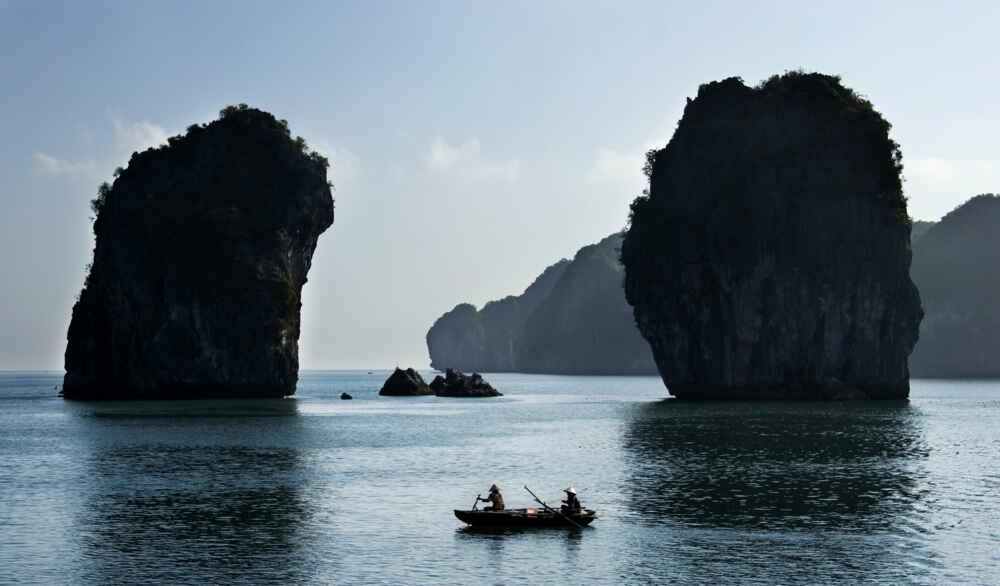 Vietnam Halong Bay local vietnamese fishing in halong bay