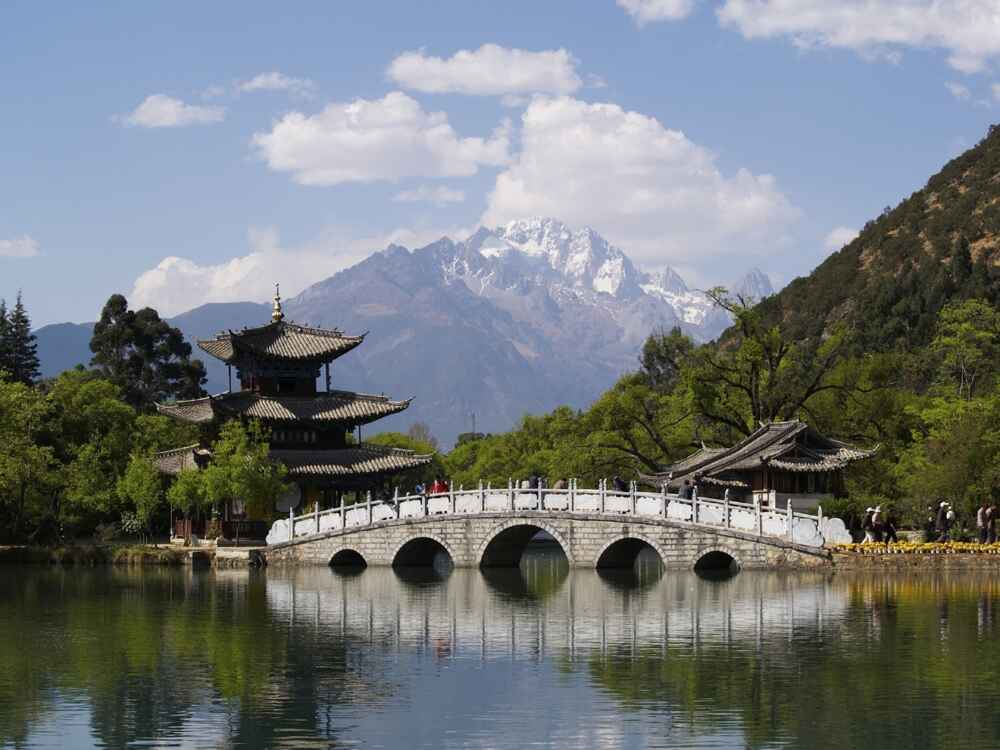 china yunnan old bridge lake lijiang