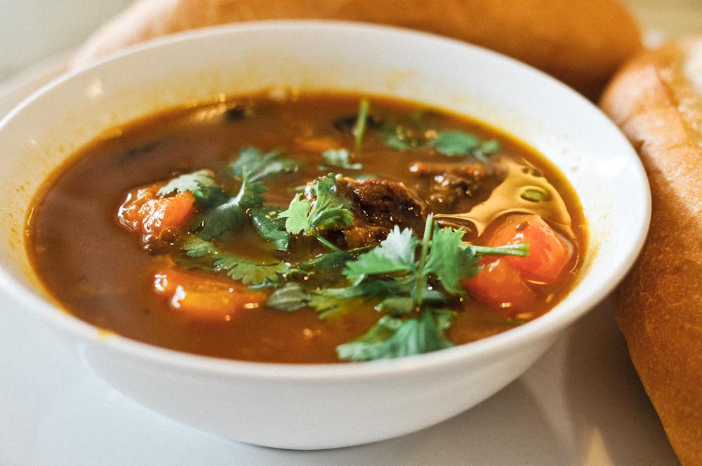 Sot vang - Image from https://www.soulinthebowl.pl/en/miejsce/beef-stew-with-baguette-in-vietnam-banh-mi-sot-vang/