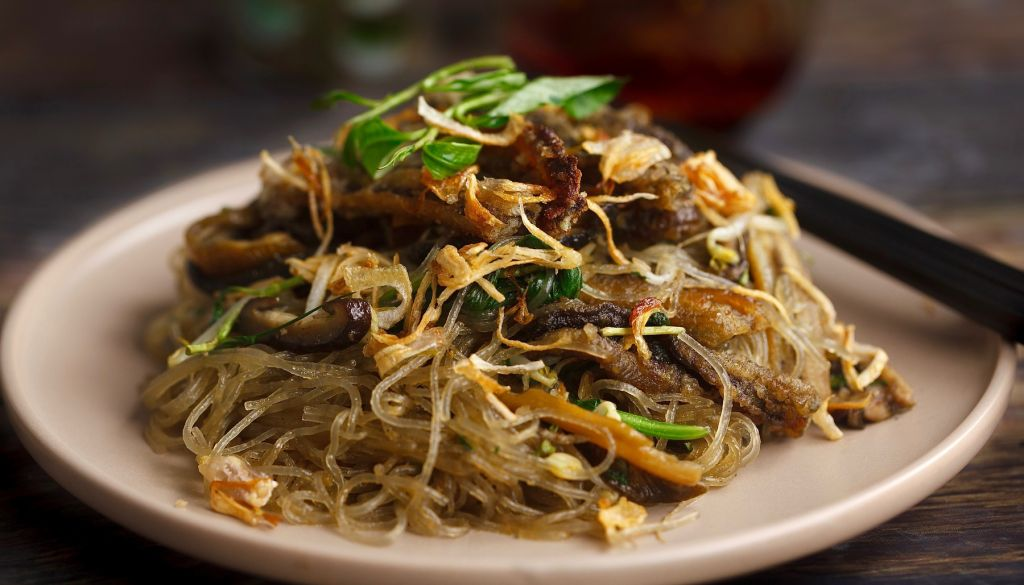 Mien luon xao - Image from http://www.savourydays.com/cach-lam-mien-luon-xao/