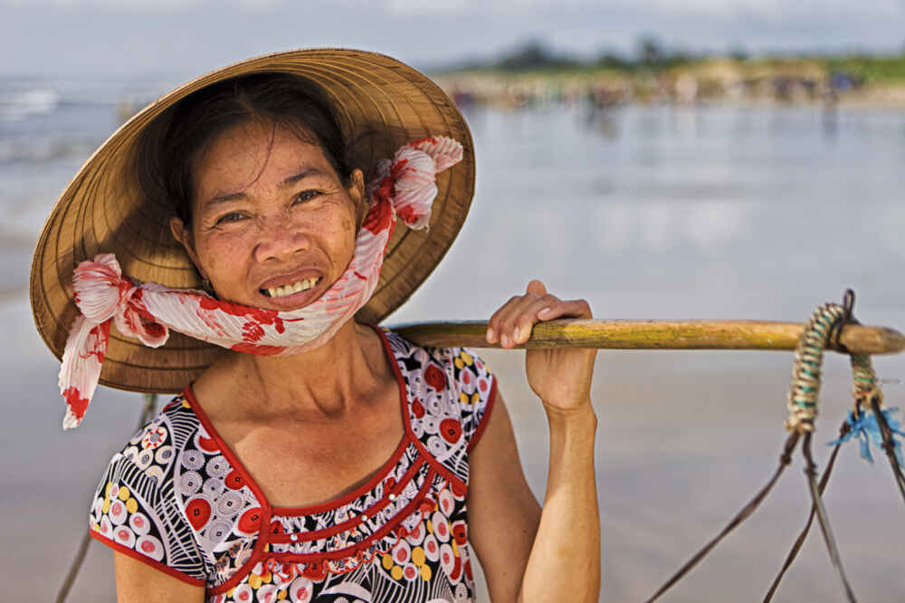 Myanmar People Smiling burmese man facts about myanmar 2