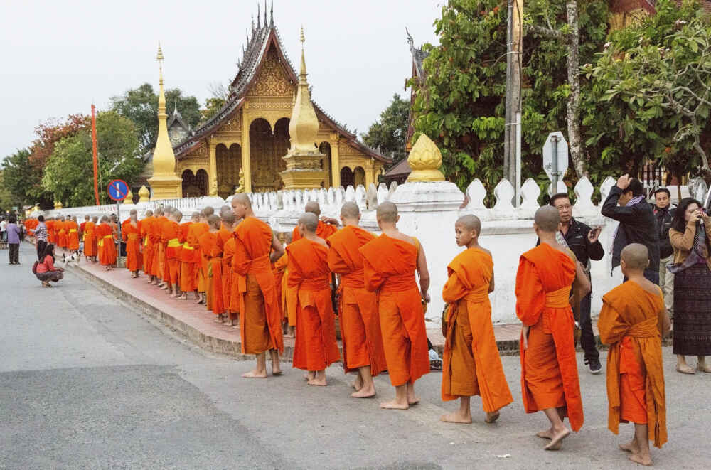 Laos Luang Prabang Alms giving early morning