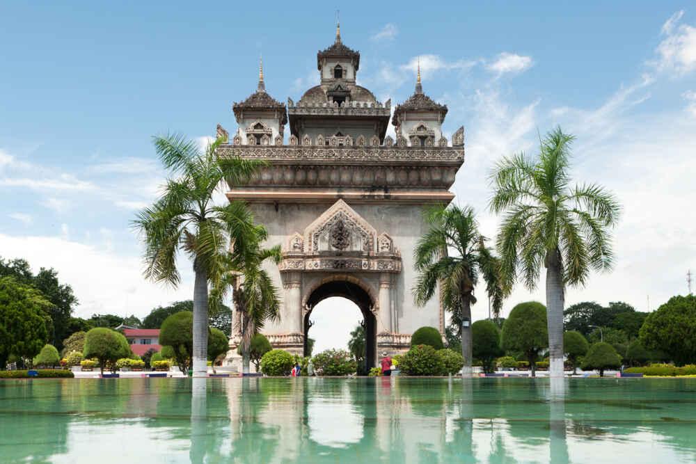 Laos Vientiane Patuxai daytime