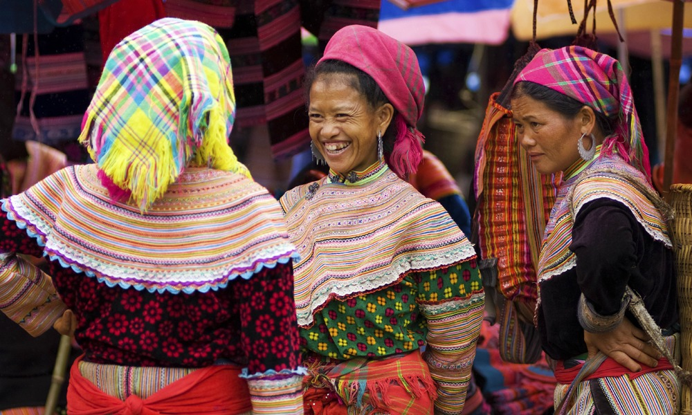 Facts about Vietnam: Living Hill tribes - colorful attires