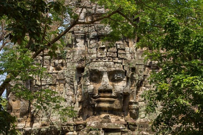 RIVERS, ROADS AND RUINS: AN EPIC THAILAND, CAMBODIA, AND VIETNAM TOUR