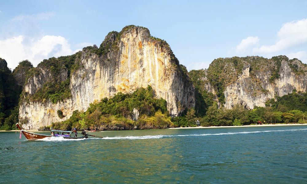 Krabi beach holiday: boat in Ao Nang