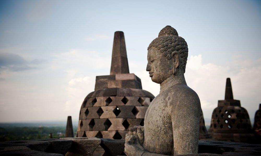 Indonesia private tour: Indonesia temple Buddha statue