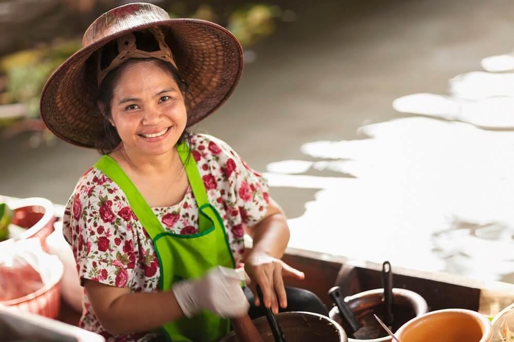 Thailand family tour: local woman