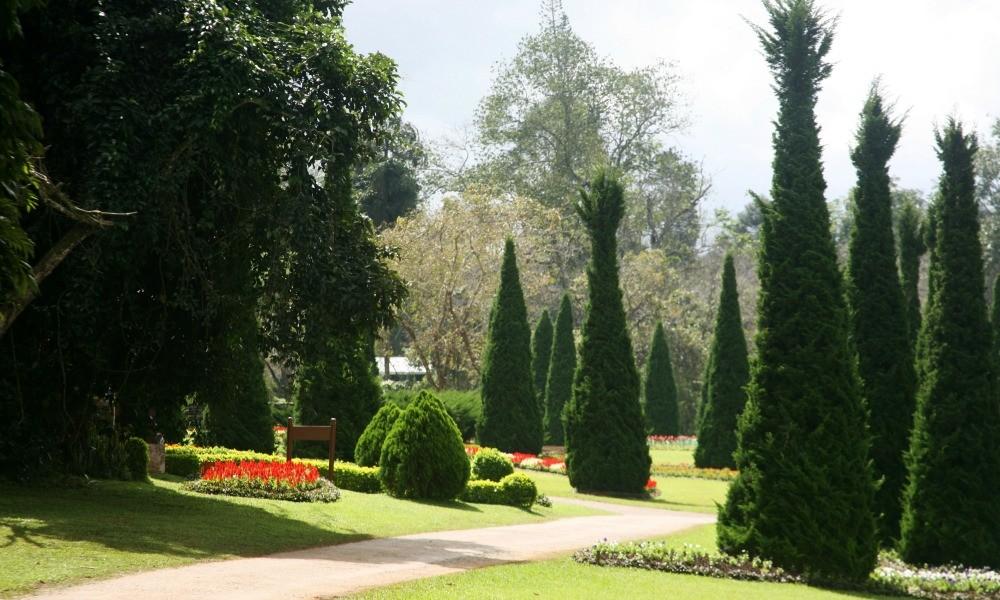 Myanmar Shan State Tour: Botanical garden Pyin Oo