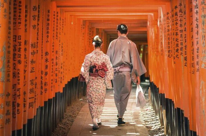 SHINTO SHRINES AND STEAMING ONSEN: HONEYMOON IN JAPAN