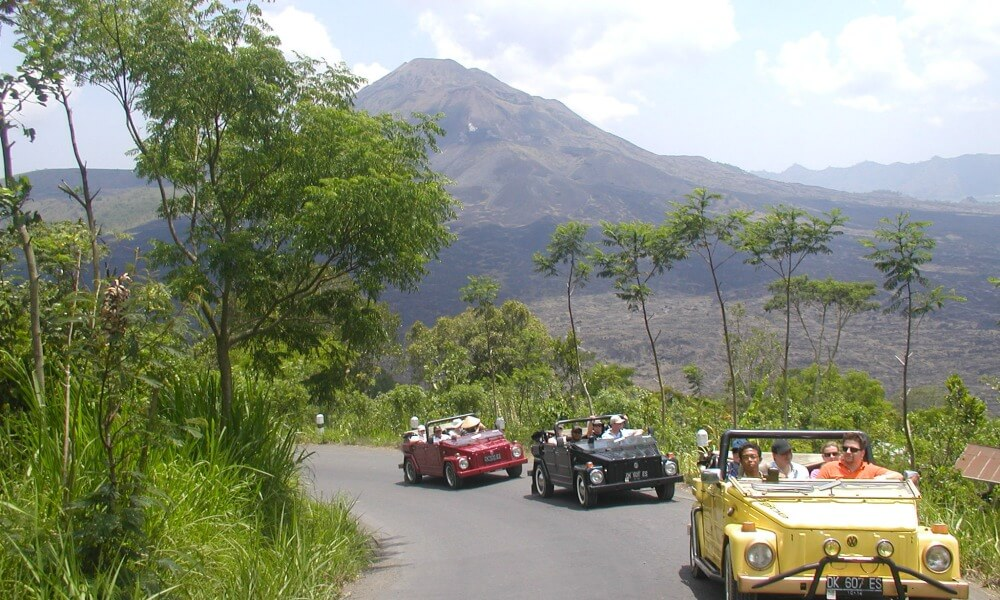 bespoke tours: Adventure in Indonesia by car