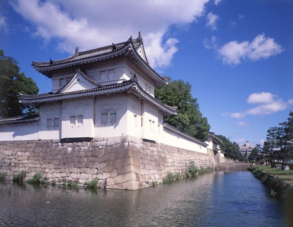 honeymoon activities in Japan: Nijo castle in Kyoto, Japan