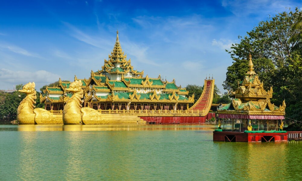 Myanmar culinary holiday: temple ion gold and green