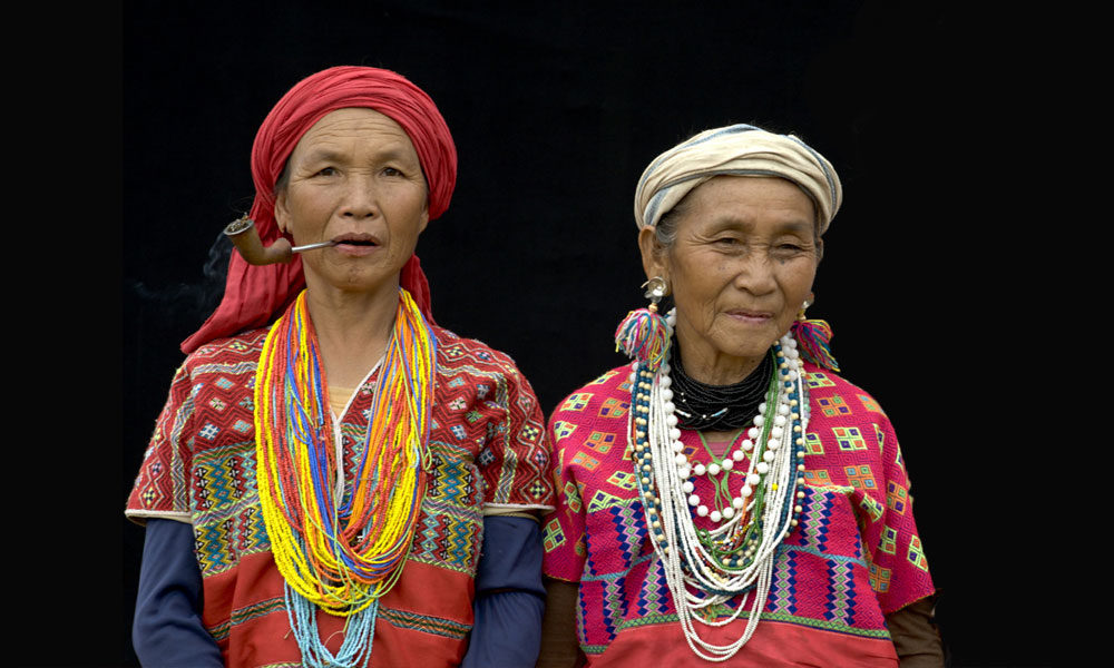 Bangkok to Chiang Mai tour: two local woman