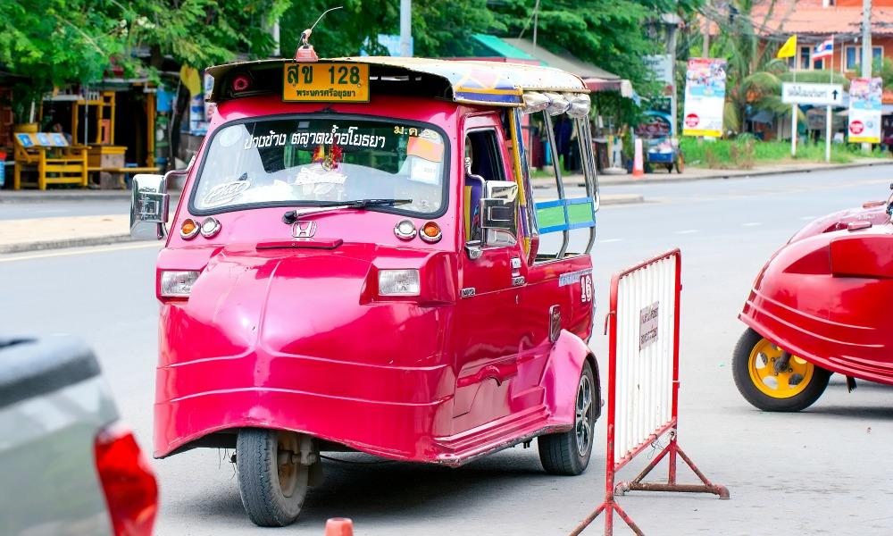 Bangkok to Chiang Mai tour: pink tuk tuk taxi
