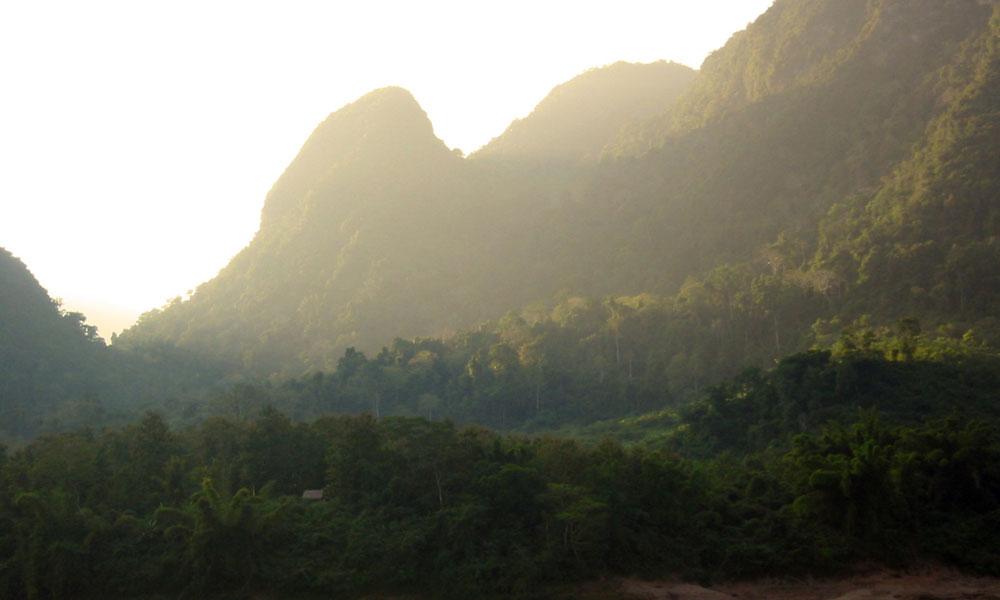 Laos-Elephant-Camp-Tour