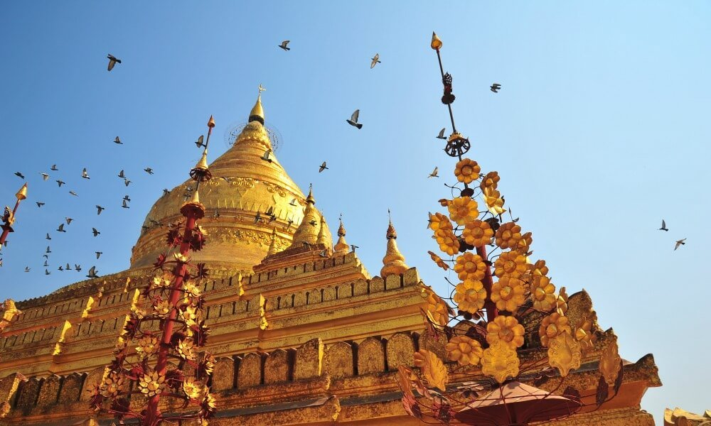 Myanmar Family Holiday: visiting Shwedagon Pagoda