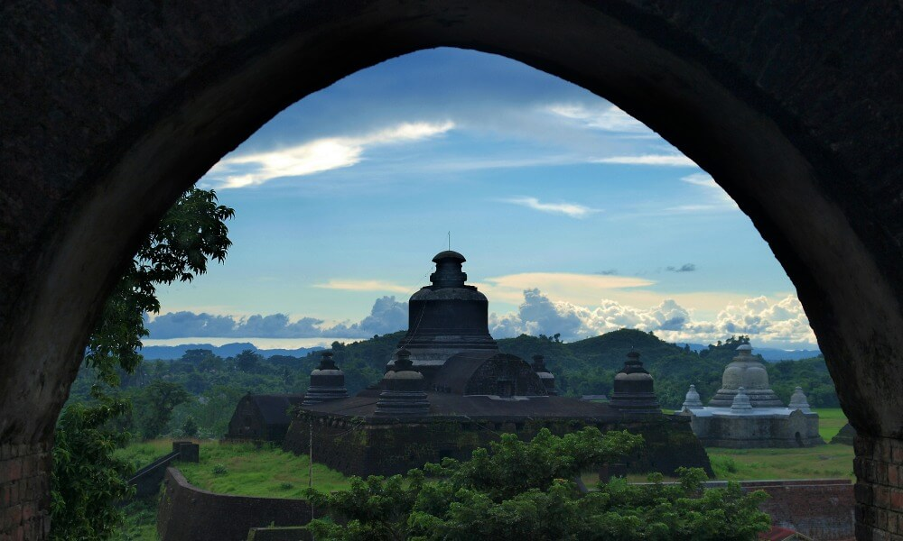 Mrauk U Tour: temple