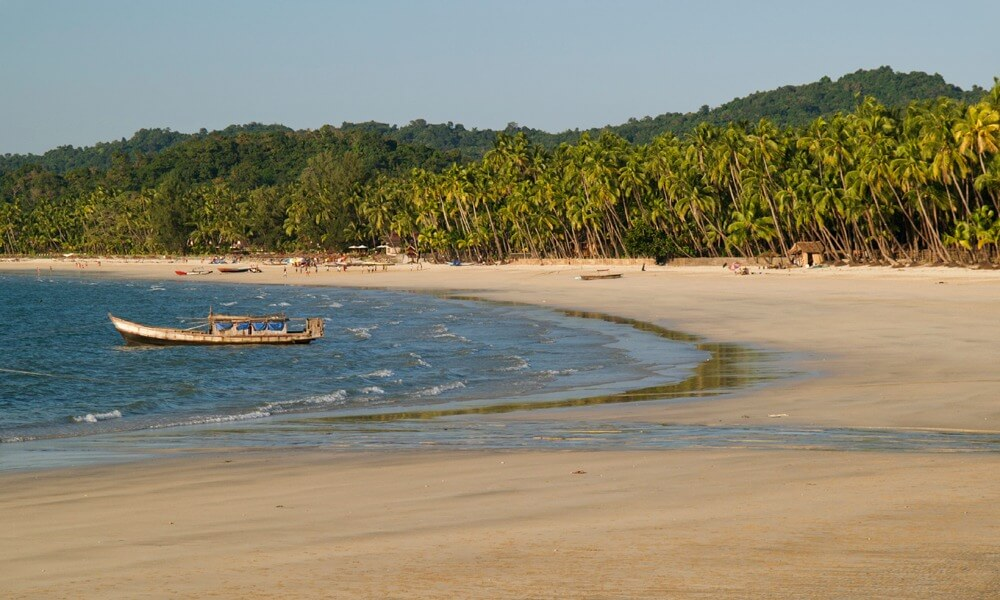 Ngapali beach visit at private Myanmar tour
