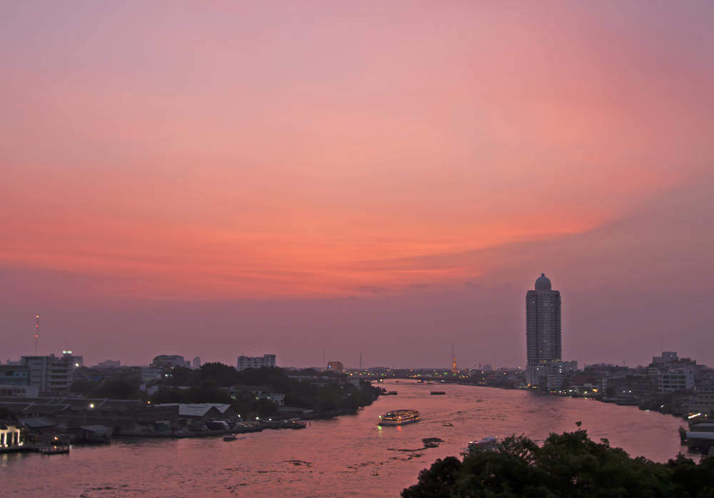 Thailand-Bangkok-Sunset-over-the-Mae-Nam-Chao-Phraya-River