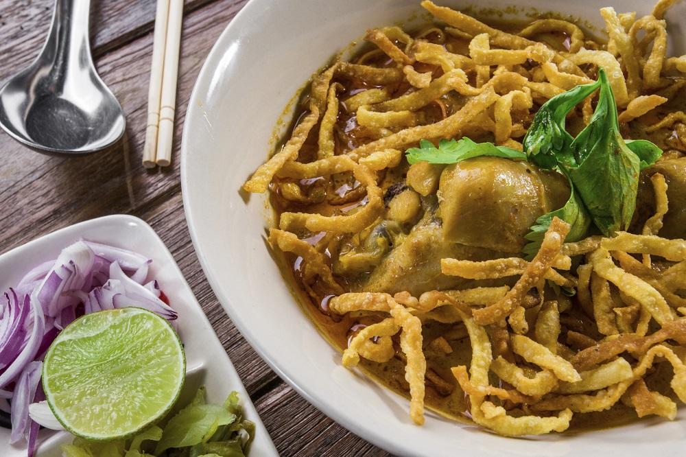 5 day tour in Chiang Mai: Chiangmai local dish - khao soy