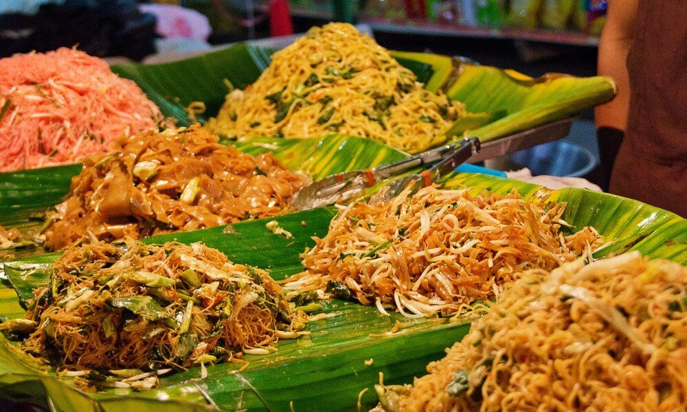 Bangkok food tour: noodles in Bangkok night market
