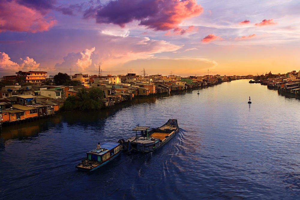 Vietnam and Cambodia family tour: Cai Be river cruising