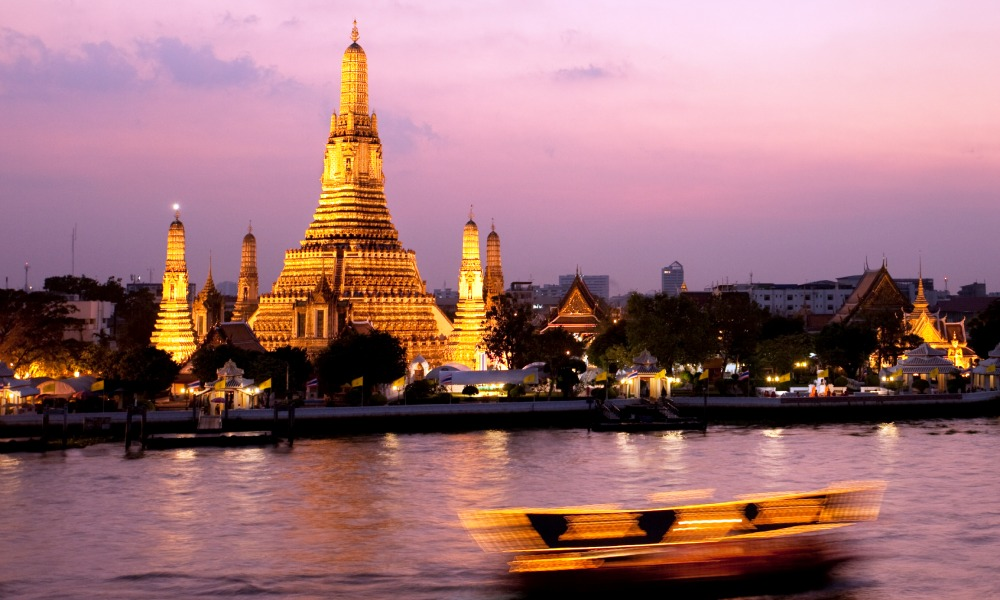 Discover the Wat Arun on one of our Bangkok tours - Backyard Travel
