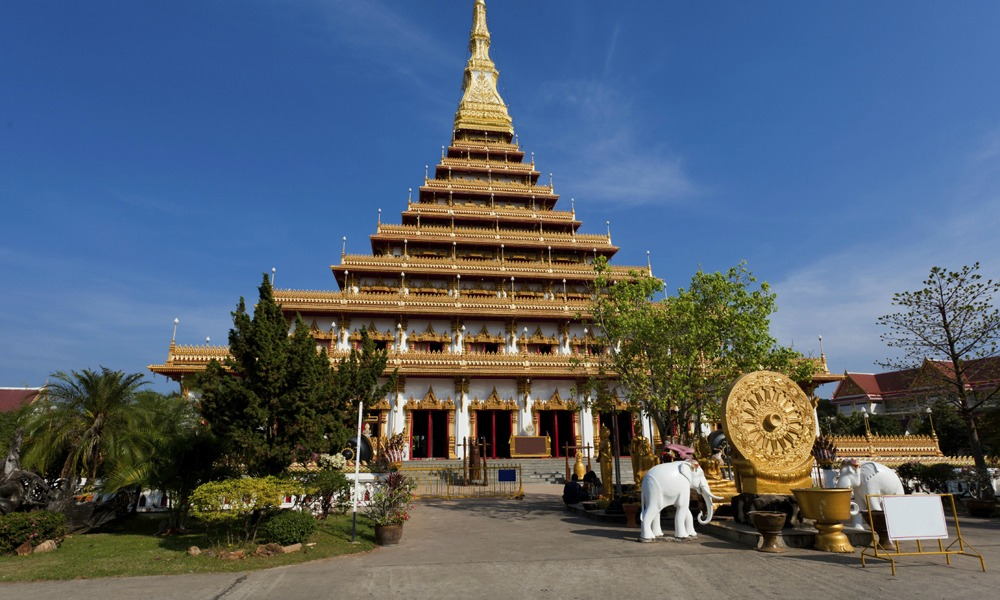 Wat nongwang in khon kaen seen on Thailand food tour