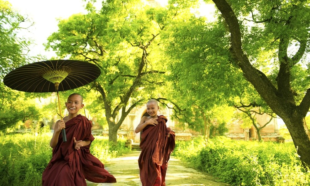 Best of Myanmar: children monks