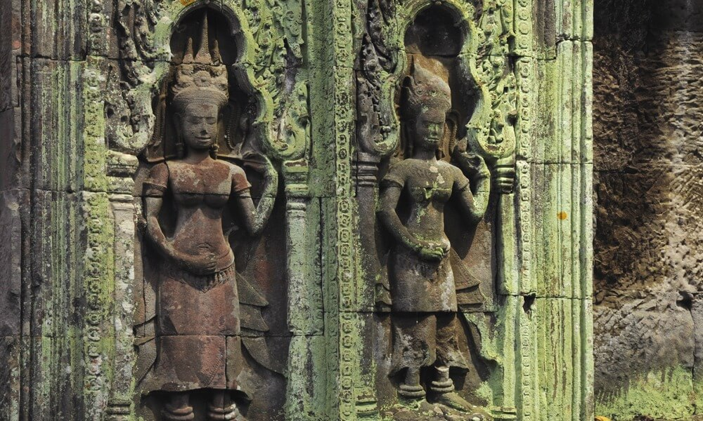 Khmer Cuisine Tour: apsara carvings at angkor wat