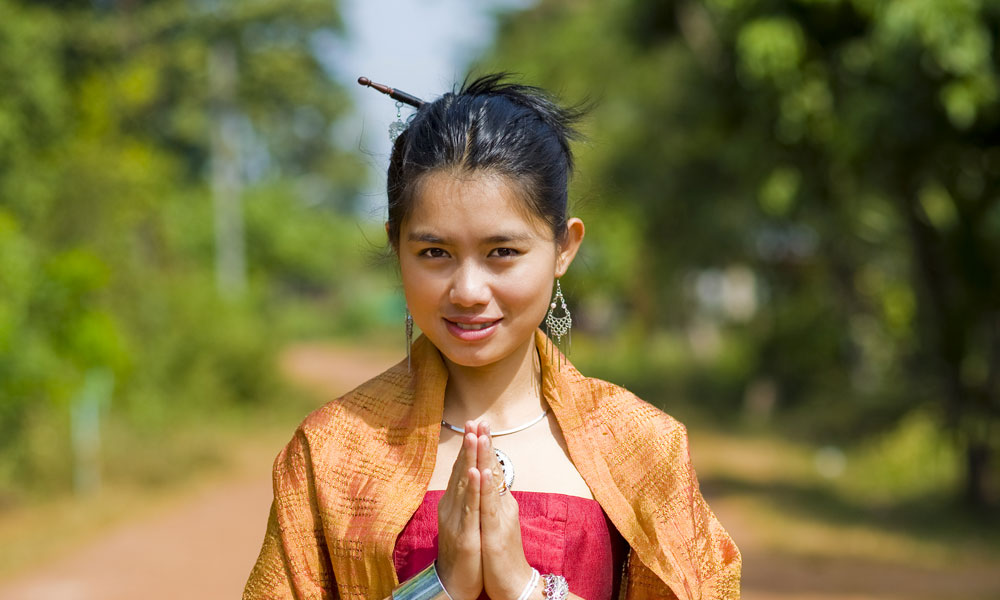 Golden Triangle tour Thailand: local woman