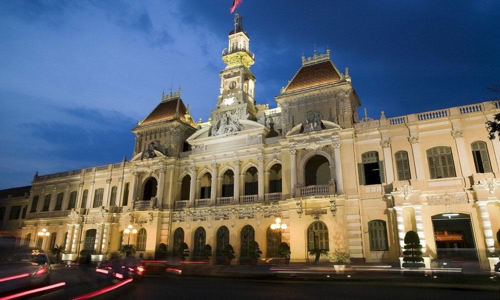 Vietnam private tour: government building in Ho chi minh city, Saigon