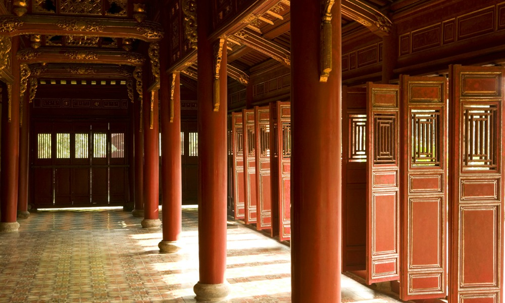 Vietnam private tour: imperial palace in Hue