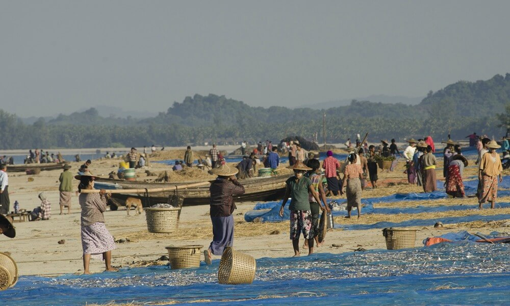 ngapali-beach-holiday-local-people