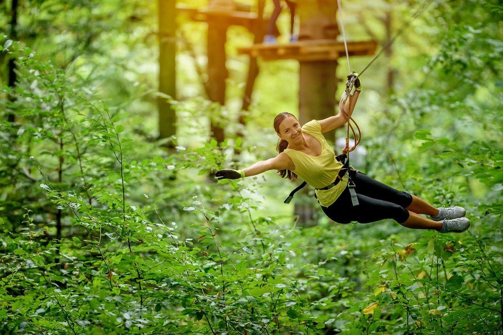 chiang-mai-family-adventure-woman-in-zip-line