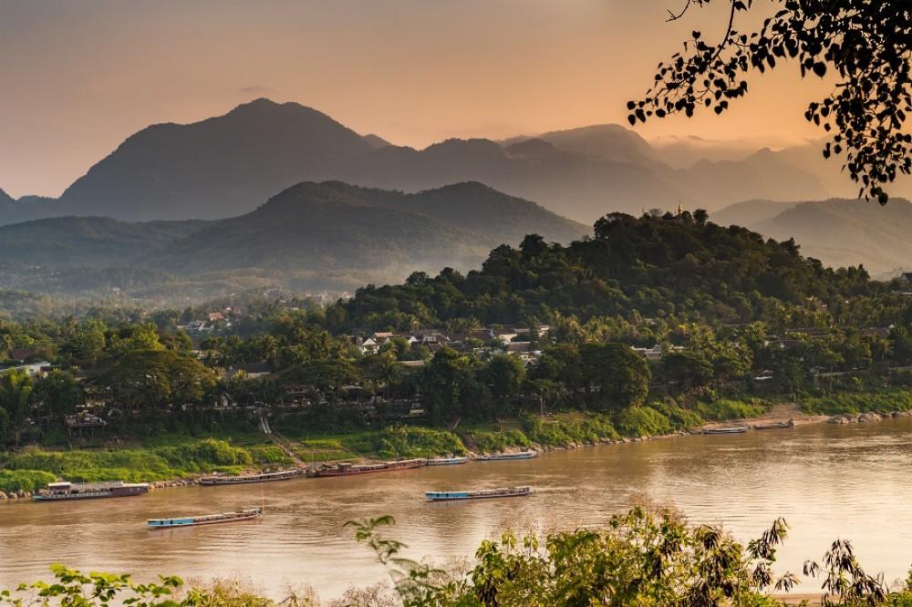 family-tour-Laos-Luang-Prabang