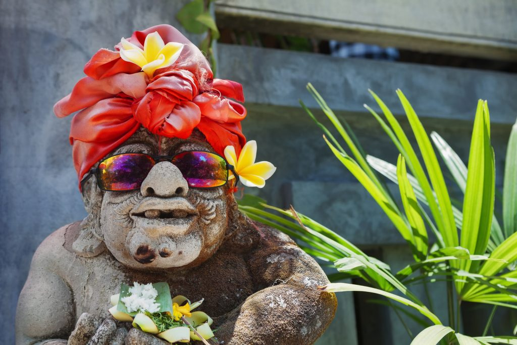 Bali art and spirituality tour: welcome statue