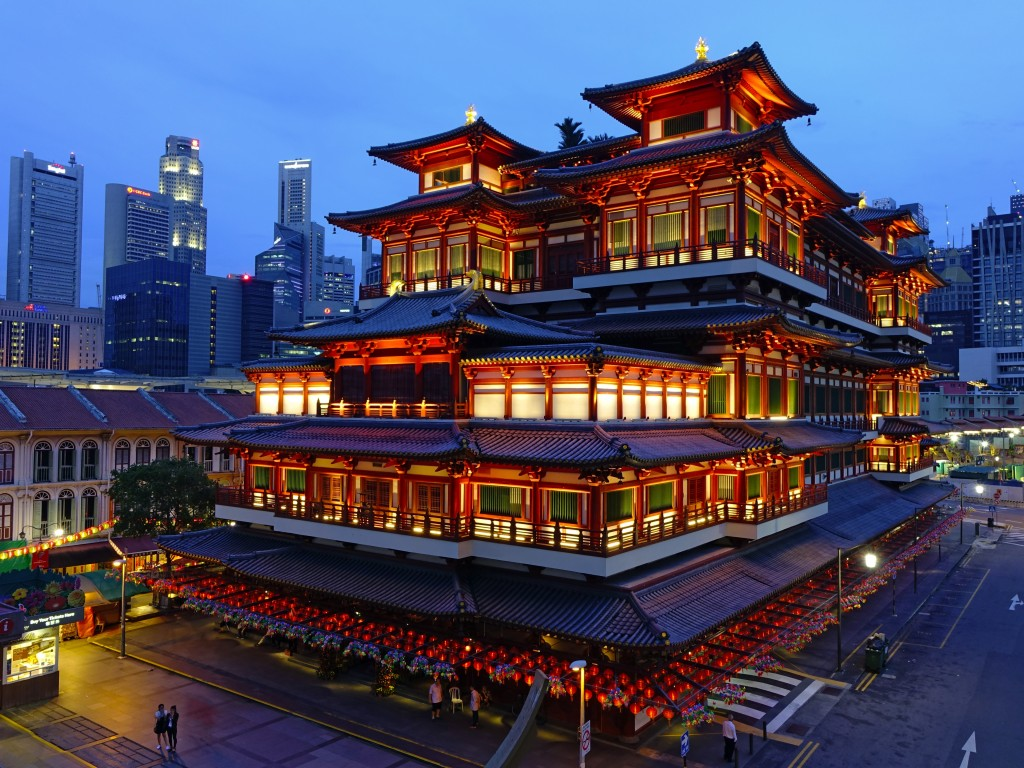 China town at night in Singapore: Buddhist temple
