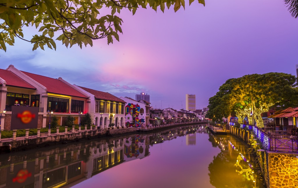 Best place to go in Malaysia with family: Malacca scenery sunset
