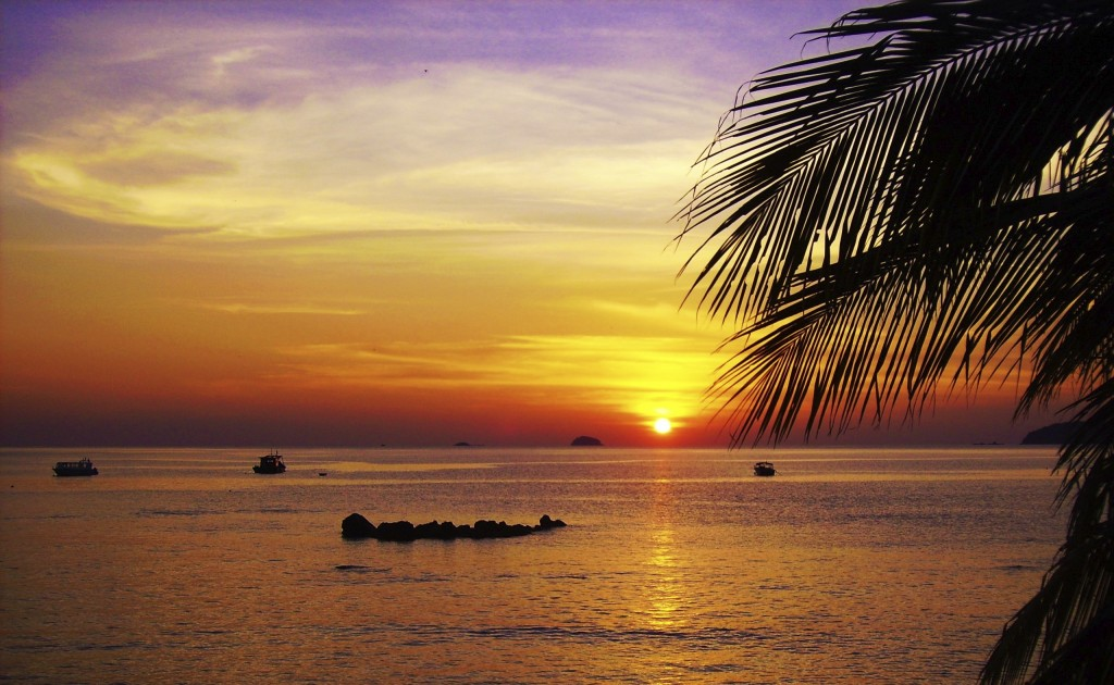 Best place to go in Malaysia with family: Tioman island sunset
