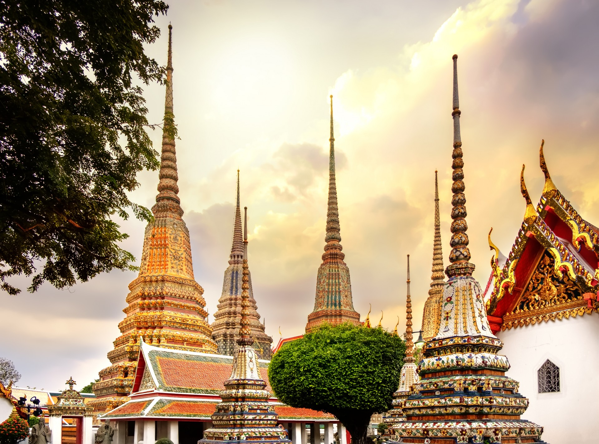 Orient Express from Bangkok to Singapore: Wat Pho