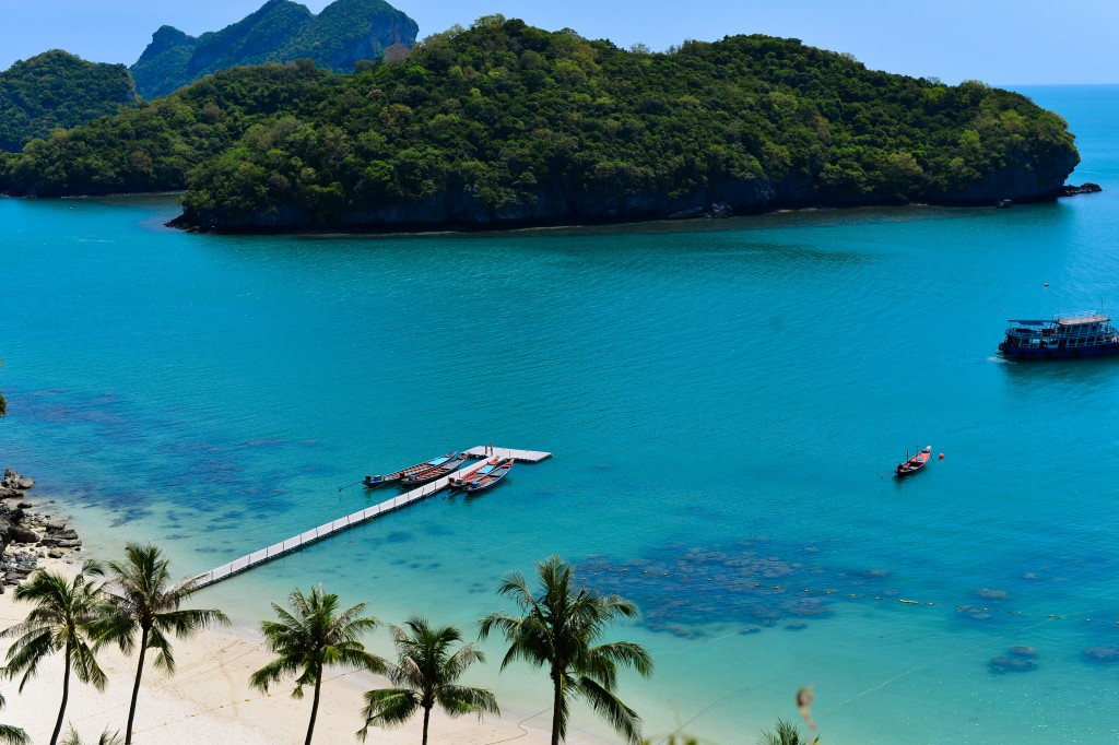 blue sea in samui thailand, angthong national marine park thailand