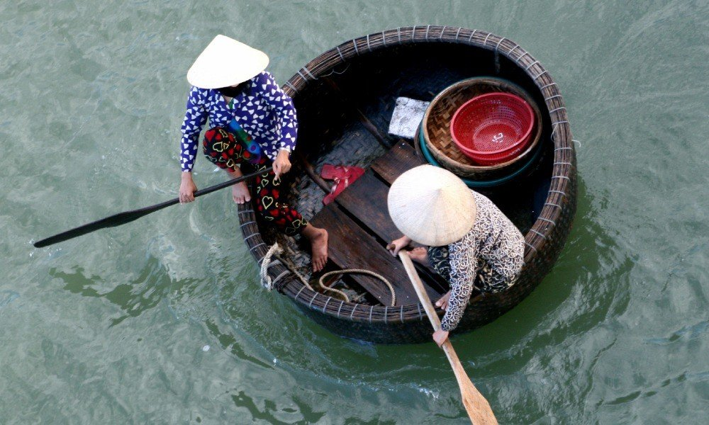Vietnam for families: Basket Boat