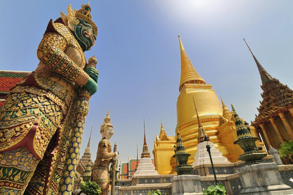 family holiday in Thailand: Bangkok temple Wat Pho