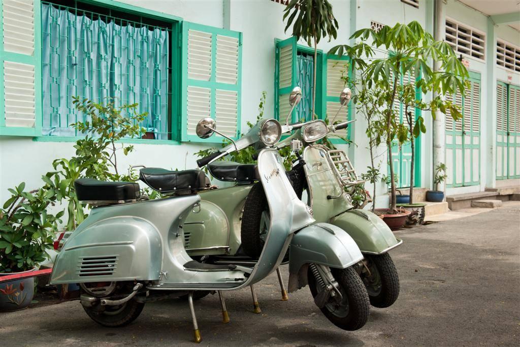 Vietnam for families: Vespa tour