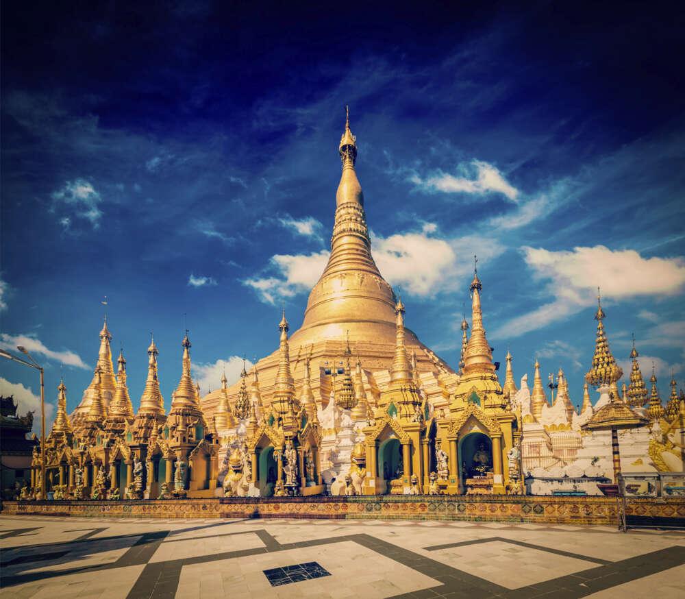 Myanmar family tour : Shwedagon pagoda